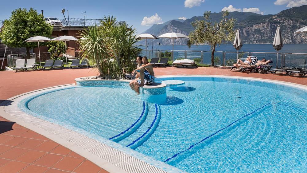 Hotel With Swimming Pool In Malcesine Garda Lake