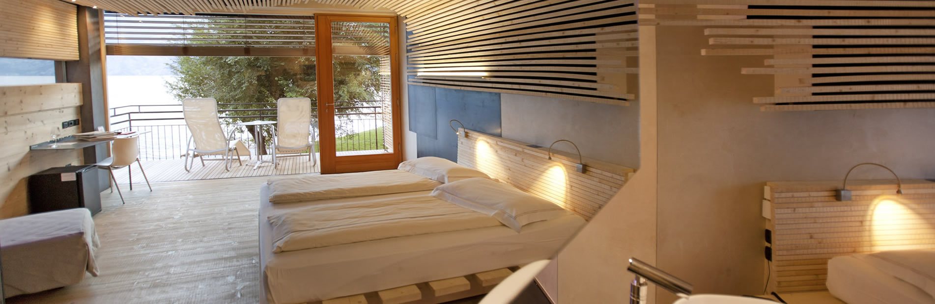 ambient hotel primaluna hotel in malcesine on garda lake. Black Bedroom Furniture Sets. Home Design Ideas